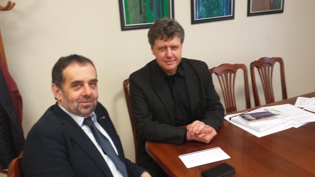 Z Prorektorem Uniwersytetu Op. Prof. dr hab. M. Masnykiem podczas uzgdaniania szczegółów porozumienia..jpeg